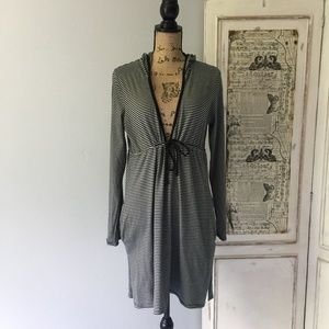 Merona hooded cover up with hip pockets Sz L